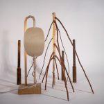 lampe à poser liège abat-jour orientable branches bouleau artisanat d'art ébénisterie